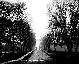 Trinity Bellwoods Park - Looking south towards the gates and Queen Street West in 1913