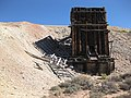 Ore bin, Los Nueve Mine, Looking E, Saguache Co., CO - panoramio.jpg