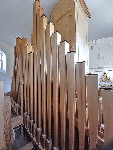 Datei:Ottobrunn, Kath. St. Otto (Kerssenbrock-Orgel, Pfeifenwerk) (10).jpg
