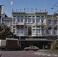 Overzicht van de voorgevel van V&D ( voorheen Magazijn de Zon ) - Deventer - 20384194 - RCE.jpg