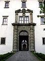 Palast Hohenems Hofeinfahrt.jpg