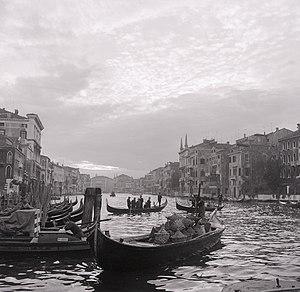 Paolo Monti - Serie fotografica (Venezia, 1965) - Sandolo - BEIC 6343165