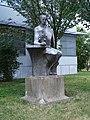 Pardubice, Palackého třída, socha.jpg