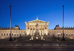 Parlament Wien abends edit.jpg