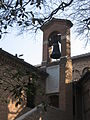 Particolare convento adiacente tomba Dante.jpg