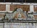 Particolare della facciata della fontana vecchia 2.jpg