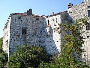 Pazin Castle - Image: Pazinski kaštel jugoistok