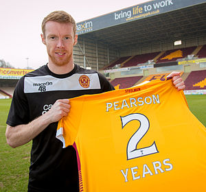 Stephen Pearson - Pearson signing a new two-year deal at Motherwell in 2015
