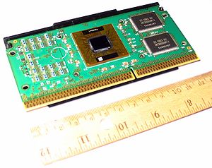 Slot 1 - Pentium III (Katmai) in SECC2: CPU at center, two chips at right are cache