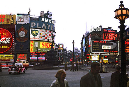 Piccadilly Circus, London, 1962 Piccadilly Circus in London 1962 Brighter.jpg