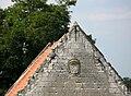 Picquigny pignon ferme du château 1.jpg