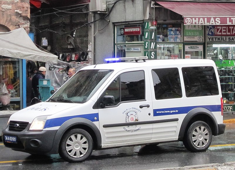 File:Police car in Turkey 02.JPG