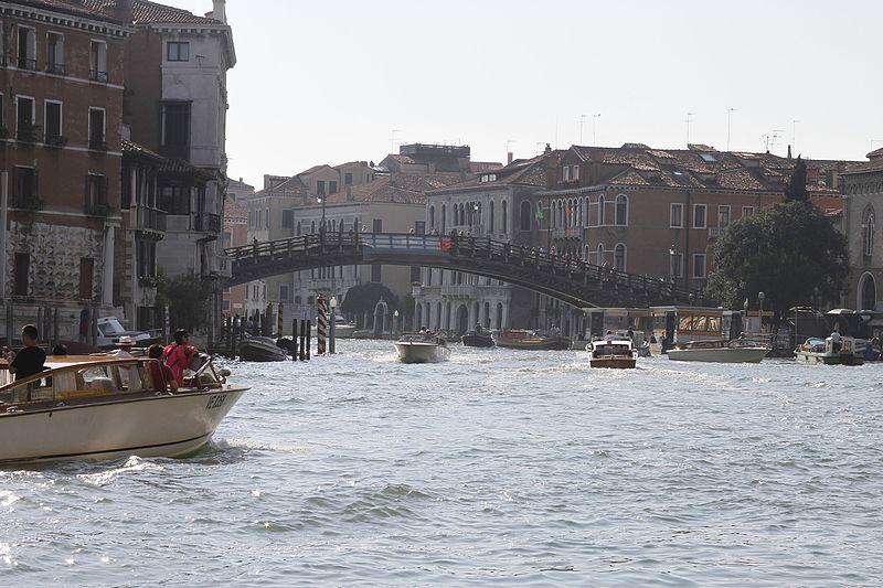 File:Ponte dell'Accademia - Venice - 2016 (5).jpg