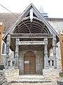 Porche église la Trinité-Saint-Sauveur Fours-en-Vexin.JPG