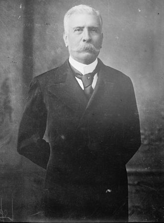 Porfiriato - President Díaz in 1902, with a civilian outfit.