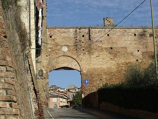 Porta Fontebranda, Siena