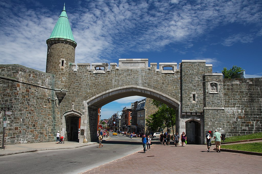 Check out the place d 39 youville in canada places boomsbeat for Porte quebec