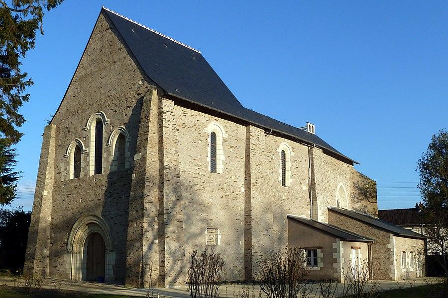 English:  Church of the priory of Saint-Augustin-lès-Angers (Saint Augustine near Angers), a 12th century church, 16 chemin du Prieuré in Angers, Maine-et-Loire, Pays de la Loire, France.