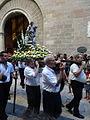 Processó de Sant Bartomeu - 37 Portant el sant.JPG
