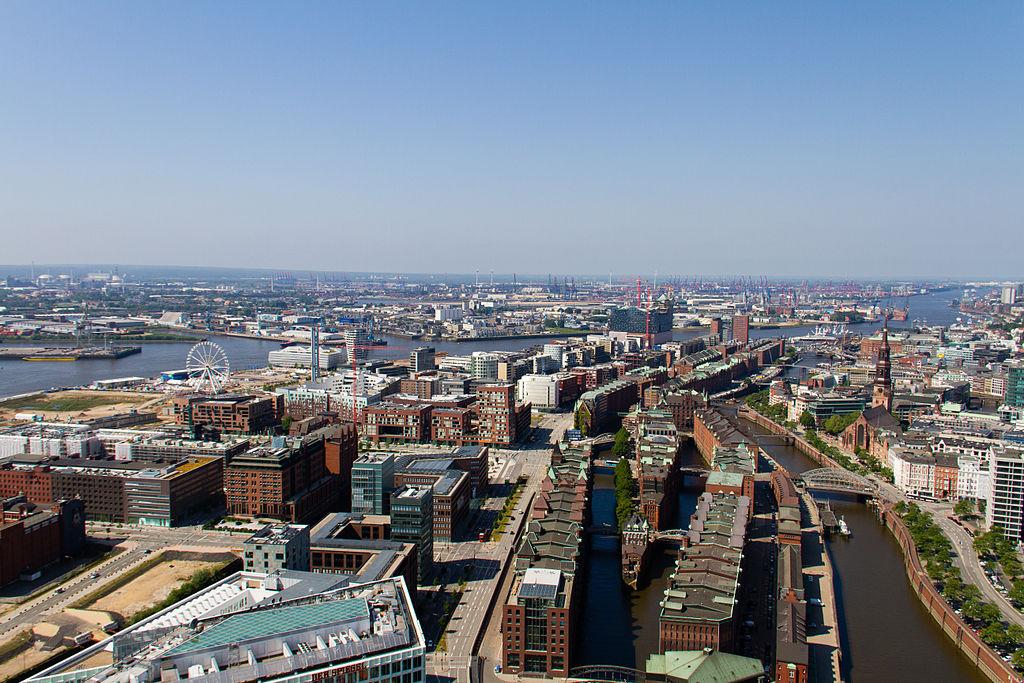 Aerial view of western HafenCity and Speicherstadt (2013)