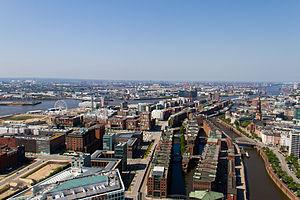 HafenCity - Aerial view of western HafenCity and Speicherstadt (2013)