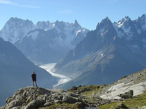 English: Mer de Glace glacier on the French si...