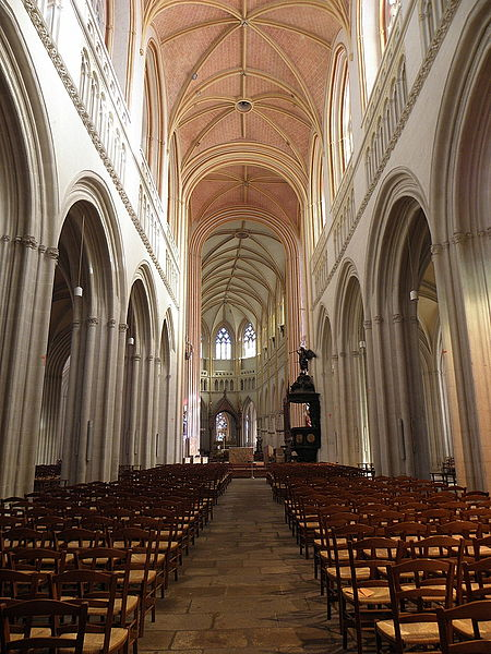 Intérieur de la cathédrale Saint-Corentin de Quimper (29).