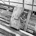 Restanten van het houtwerk van de voormalige torenspits - Hazerswoude - 20103732 - RCE.jpg