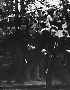Richard Wainwright (Medal of Honor) - Wainwright shaking hands with United States President Theodore Roosevelt as Wainwright graduated from the U.S. Naval Academy
