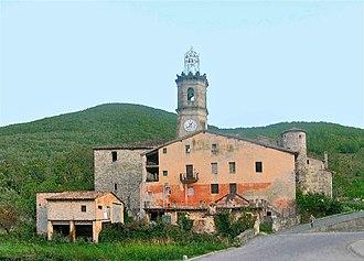 Riudaura - Image: Ridaura, església de Santa Maria, torre, i cases veïnes