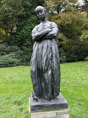 """Rik Wouters - Sculpture """"Huiselijke zorgen"""" at Middelheim Open Air Sculpture Museum, Antwerp"""