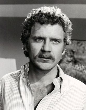 Robert Foxworth - Foxworth as a guest star on Cannon, 1975.