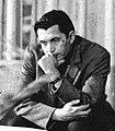 Robert Rozhdestvenskii slushaet molodyh poetov (Gosudarstvennaya respublikanskaya yunosheskaya biblioteka, 1970e gody) (cropped).jpg