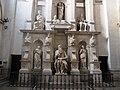 Roma, San Pietro in Vincoli. Monumento Funebre di Giulio II (2).jpg