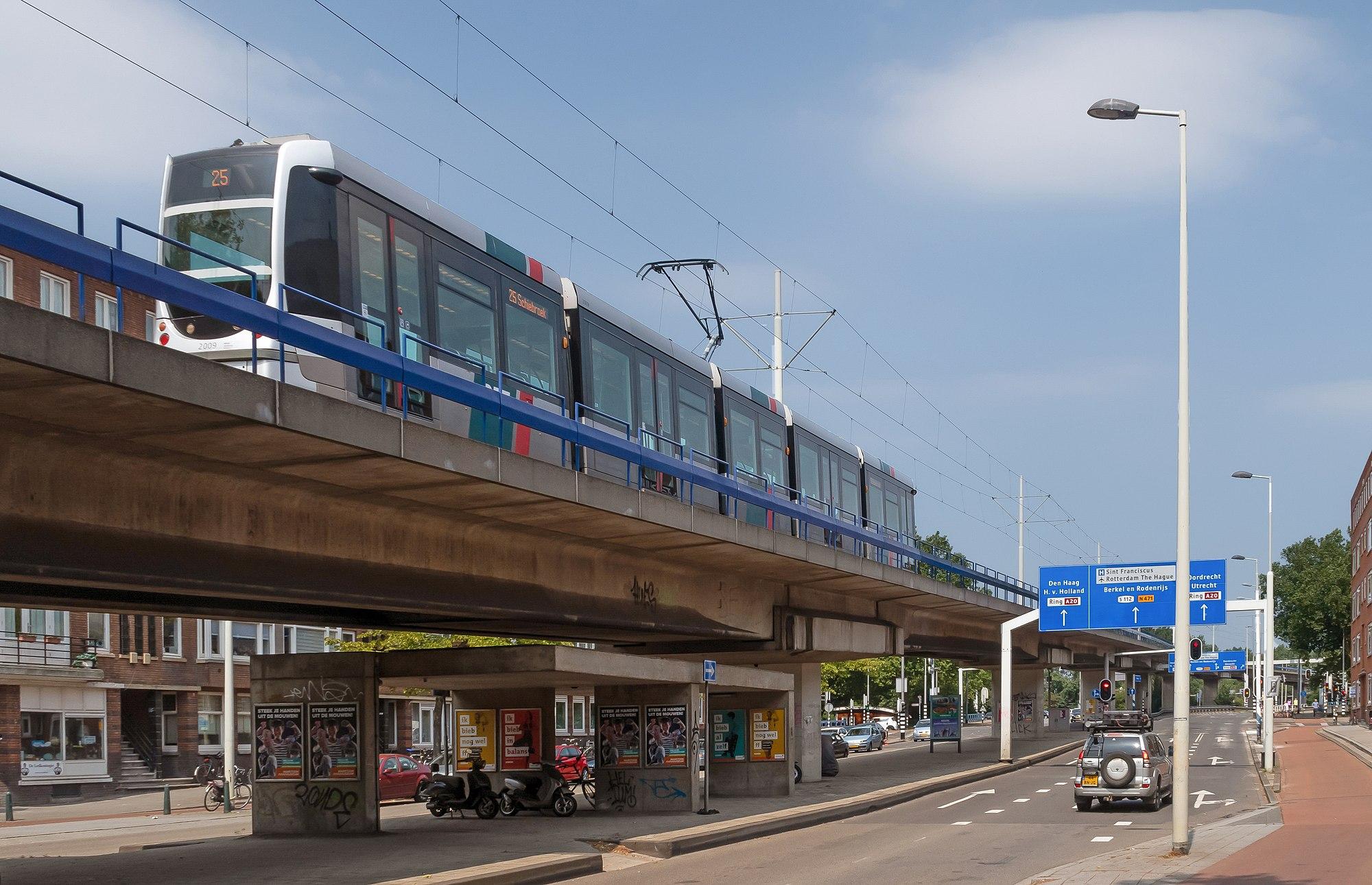 Rotterdam-Bergpolder, straatzicht Gordelweg langs de tramlijn IMG 5818 2018-07-22 12.41.jpg