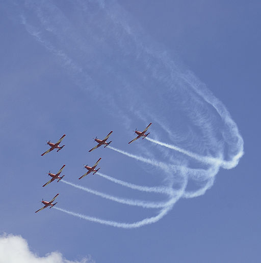 Roulettes flying in formation at the RAAF Base Wagga open day 05, Visualization, Sports and IT