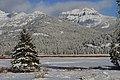 Round Prairie and Amphitheater Mountain (11455312066).jpg