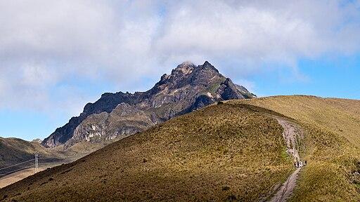 Rucu Pichincha and Trail