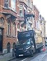 Rue de Hennin, camion de déménagement.jpg
