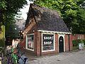Ruysdaelkade 2-4, Rioolgemaal in verstrakte Amsterdamse School-stijl, Arita House pic4.JPG