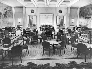 SS Île de France - The liner's Grand Salon as it appeared in the 1950s, following post-WWII remodeling.