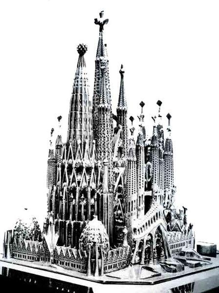 Maquette de l'église de Sagrada Familia à Barcelone.