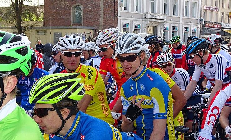 Saint-Amand-les-Eaux - Paris-Roubaix juniors, 12 avril 2015, départ (A76).JPG