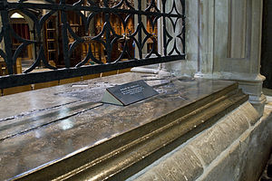 Roger Martival - Martival's tomb in Salisbury Cathedral