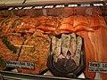 Salmone sui banchi del mercato coperto - panoramio.jpg