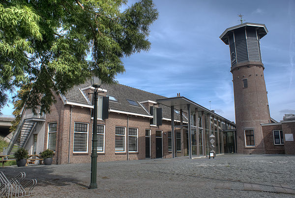 Salpeter- en Katoenmagazijn en watertoren - WLM 2011 - Shirley de Jong.jpg