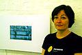 Sandra Marianne Gast mit Videokunst im Atelier ohne Titel Kollenrodtstraße 12A Hannover List Zinnober-Kunstvolkslauf 2012.jpg