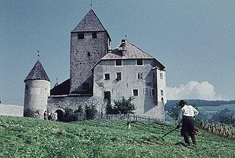 Ladin people - Image: Sankt Martin Schloß