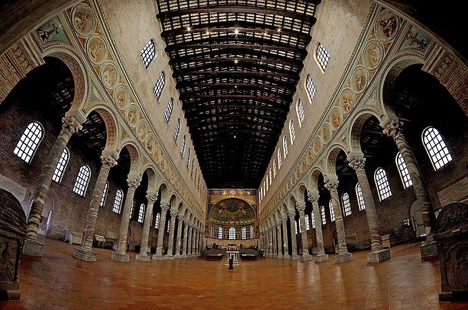 Santa Apollinare Ravenna - Italy DSC 4196 01M panoramica.jpg