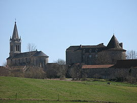 The church and chateau in Sanvensa